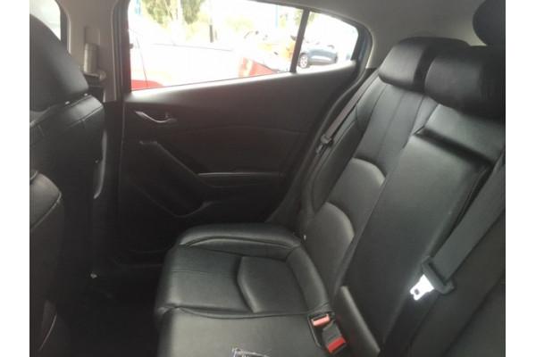 2017 Mazda 3 BN5438 SP25 Hatchback Image 4