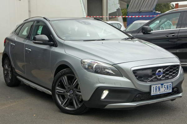 2014 Volvo V40 Cross Country (No Series) MY15 T5 Luxury Hatchback Image 3