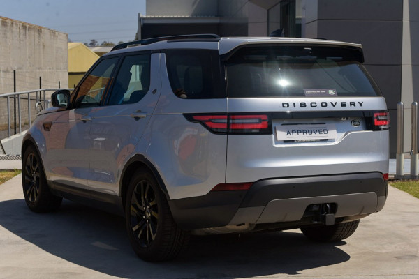 2017 Land Rover Discovery Vehicle Description.  5 L462 MY17 TD6 SE WAG SA 8SP 3.0DT TD6 Suv Image 2