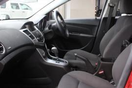 2014 Holden Cruze Vehicle Description. JH  II MY14 EQUIPE HBK 5DR SA 6SP 1.8I Equipe Hatchback Image 3