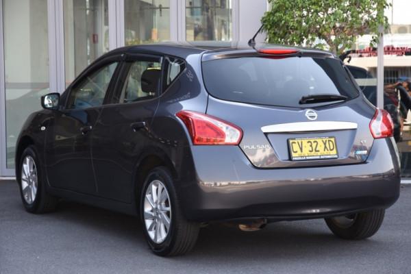 2013 Nissan Pulsar C12 ST Hatchback Image 3