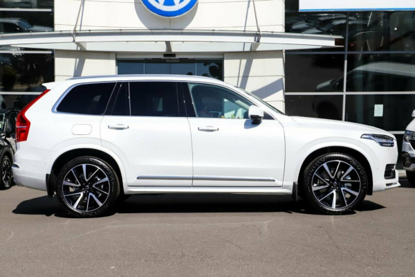 2021 MYon Volvo XC90 L Series T6 Inscription Image 5
