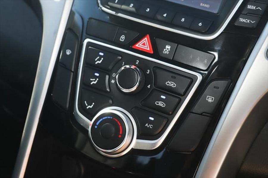2013 Hyundai I30 GD SE Hatchback Image 19