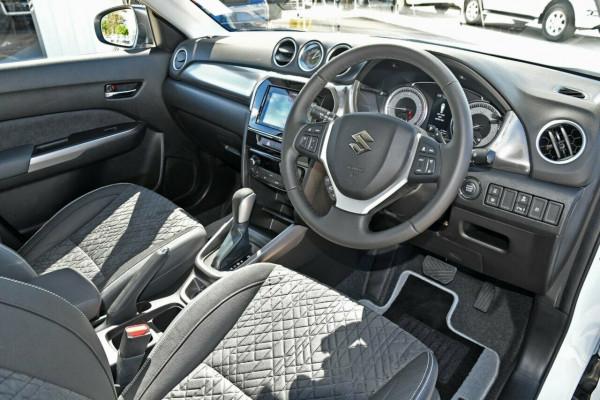 2021 Suzuki Vitara LY Series II GLX Suv image 9