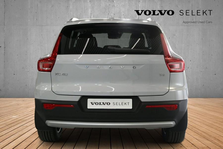 2019 MY20 Volvo XC40 536 MY20 T4 Momentum (FWD) Suv Image 4