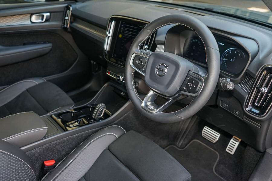 2019 Volvo XC40 XZ T5 R-Design Suv Mobile Image 5