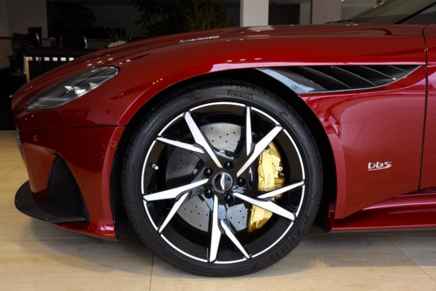 2019 Aston martin Dbs MY19 Superleggera Coupe Image 5