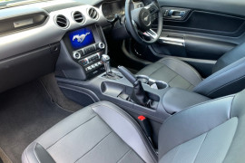 2018 Ford Mustang FN GT Fastback Coupe Image 5