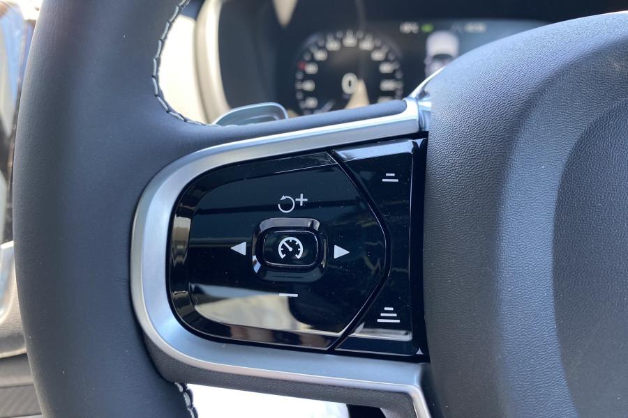 2020 Volvo XC90 L Series T6 R-Design Suv Mobile Image 12