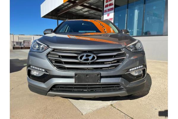 2017 Hyundai Santa Fe DM3 Series II Active Suv Image 2