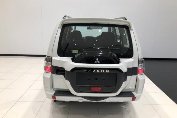2019 Mitsubishi Pajero NX GLX 7 seat wagon Image 5