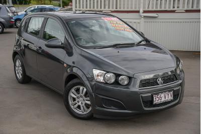 2015 Holden Barina TM MY15 CD Hatchback Image 2