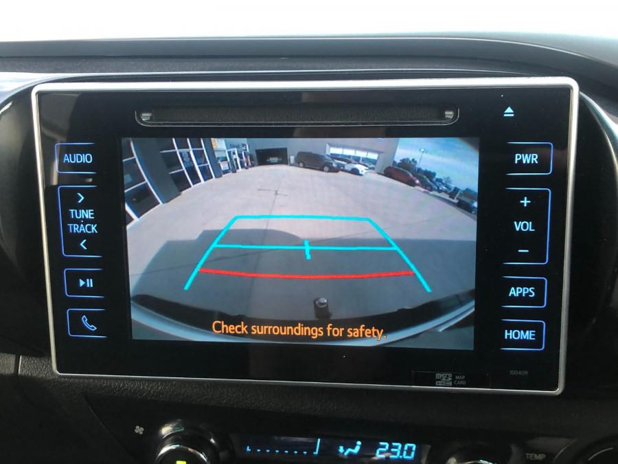 2017 Toyota HiLux GUN126R SR5 Utility Image 13