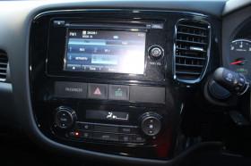 2015 MY14.5 Mitsubishi Outlander ZJ ES Wagon