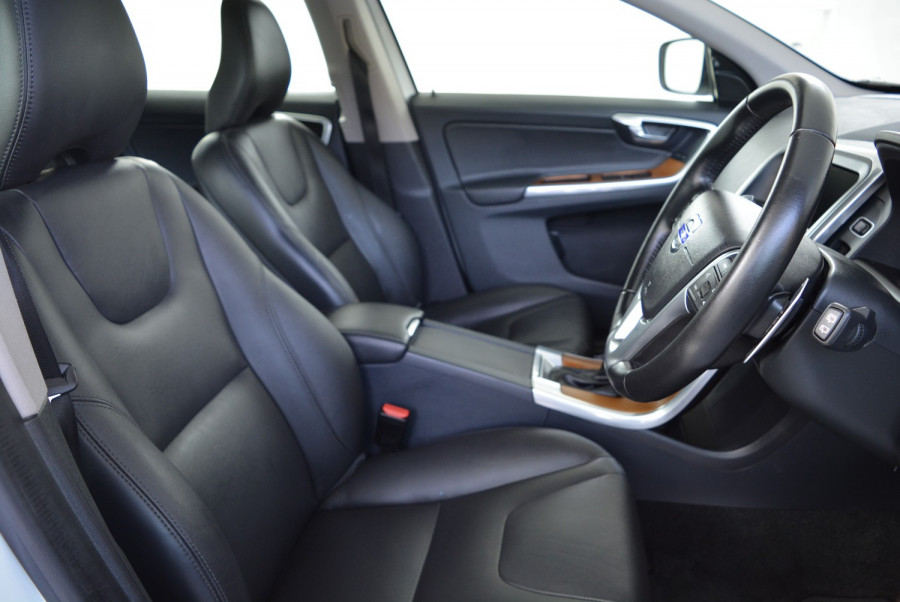 2016 Volvo XC60 DZ MY16 D4 Suv Image 20