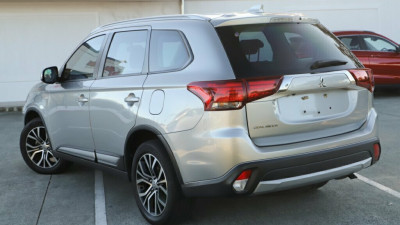 2017 Mitsubishi Outlander ZK MY17 LS 2WD Suv Image 2