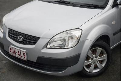 2008 Kia Rio JB MY07 LX Hatchback Image 3