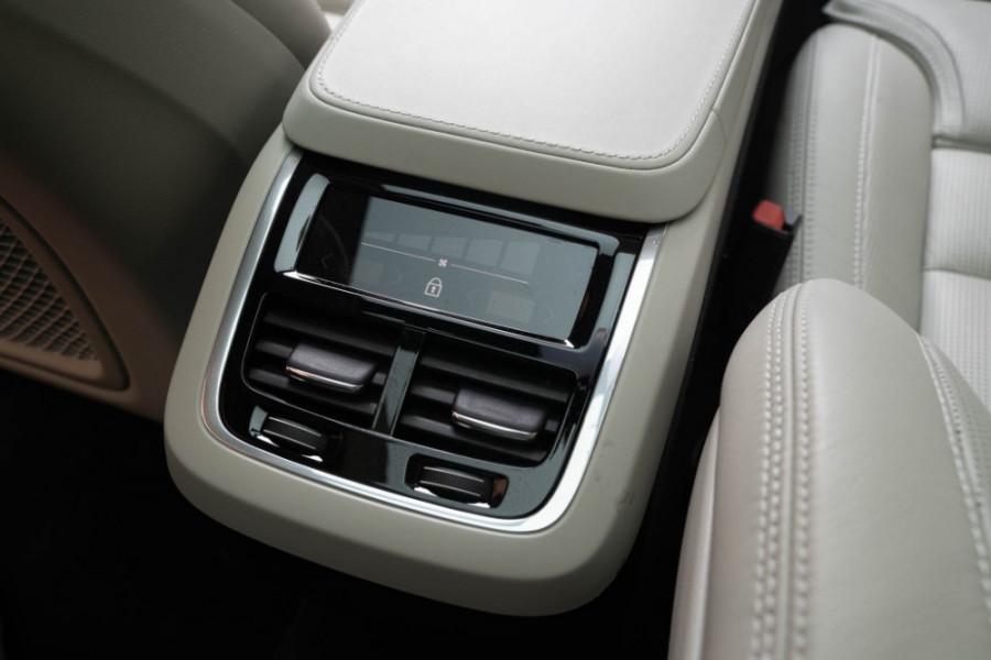 2020 Volvo XC90 L Series D5 Inscription Suv Image 19