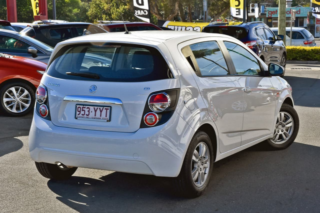 2016 Holden Barina TM MY16 CD Hatchback Image 2