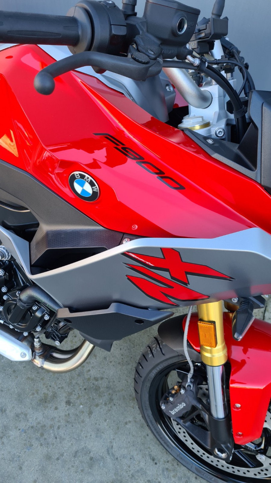 2021 BMW F 900 XR Tour F F 900 XR Tour Motorcycle Image 2