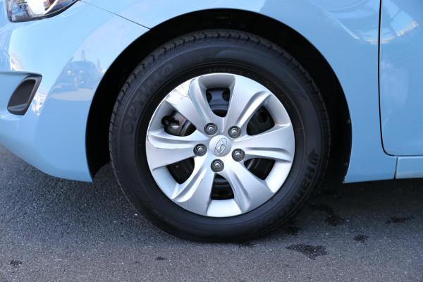 2012 Hyundai Elantra MD Active Sedan Image 3