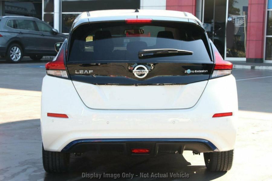 2021 Nissan LEAF ZE1 E Plus Hatchback Image 17