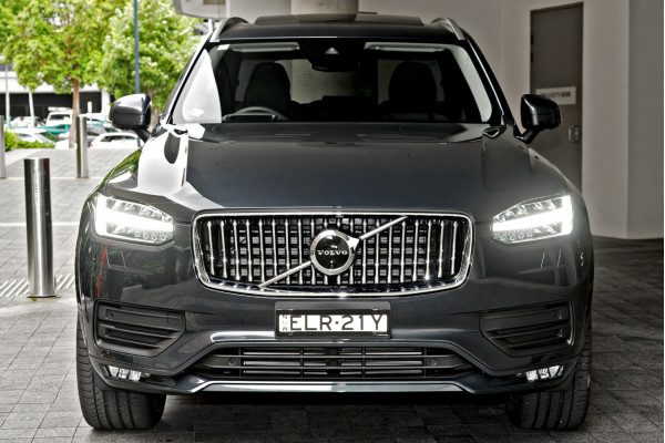 2021 MYon Volvo XC90 L Series D5 Momentum Suv Image 4