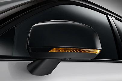 Power retractable door mirrors Image