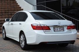 2014 Honda Accord 9th Gen VTI-S Sedan Image 3