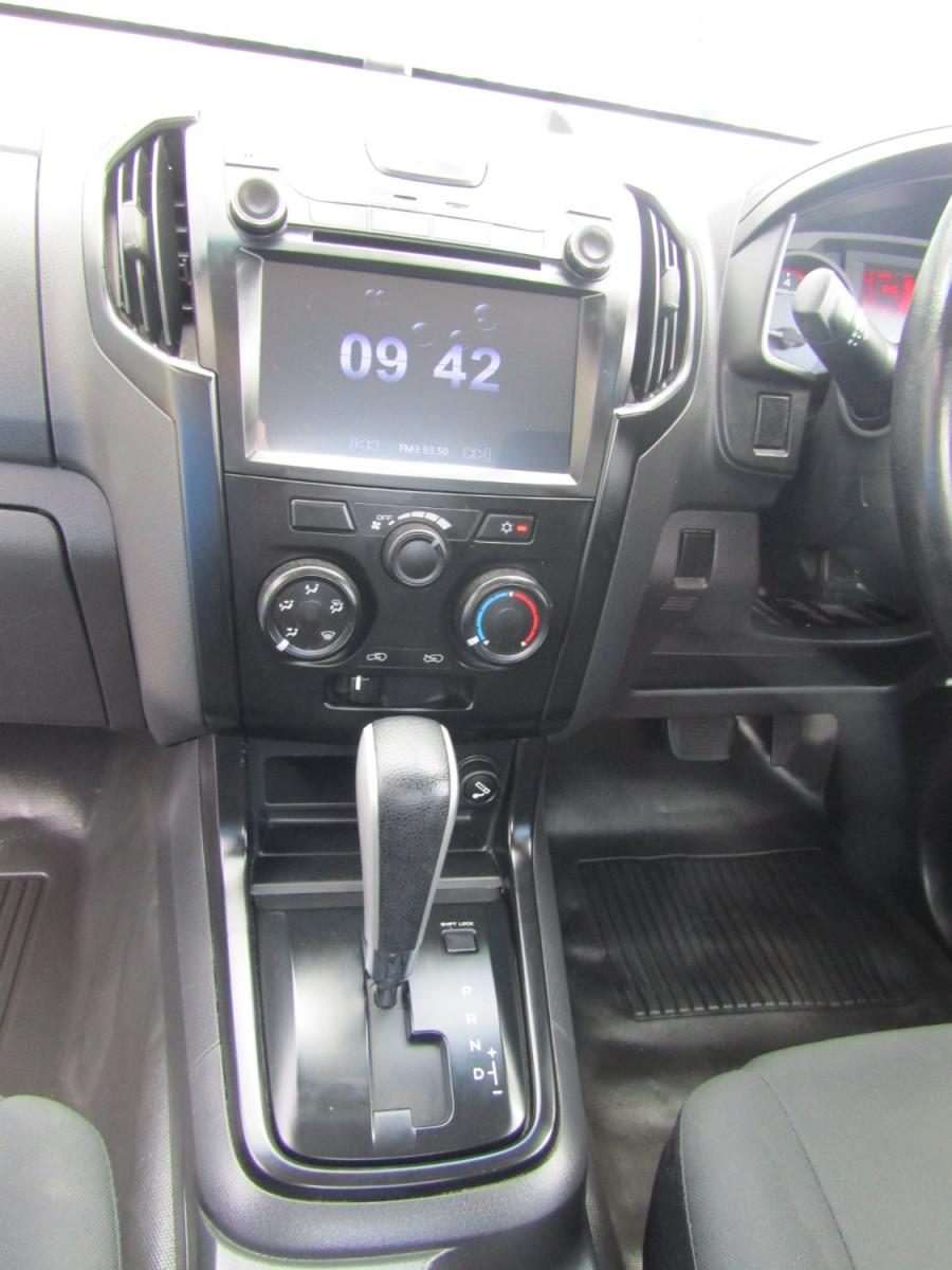 2017 Isuzu Ute D-MAX MY17 SX Cab chassis Image 8