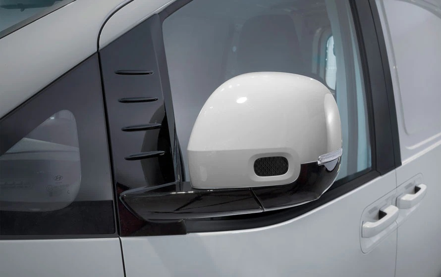 Staria-Load Heated & power folding exterior mirrors.