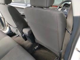 2009 Mitsubishi Lancer CJ  ES Sedan image 22
