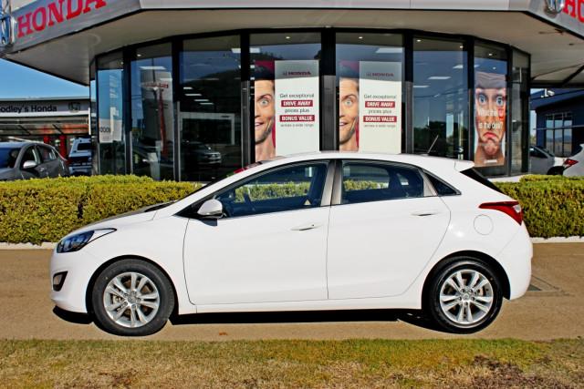 2012 Hyundai I30 GD Elite Hatchback Image 5