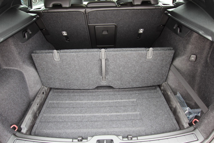 2020 MY21 Volvo XC40 XZ T4 Momentum Suv Image 16