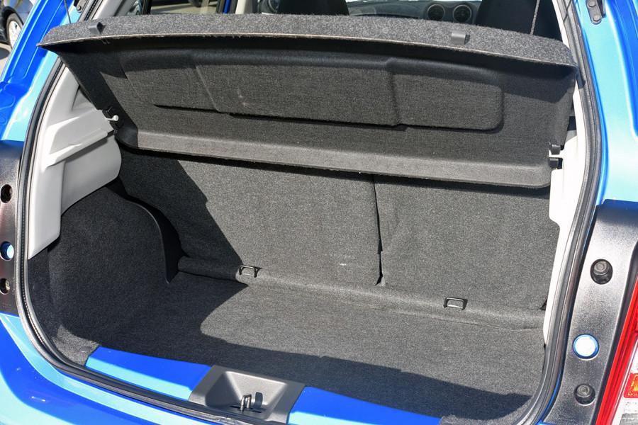 2011 Nissan Micra K13 ST Hatchback Mobile Image 10