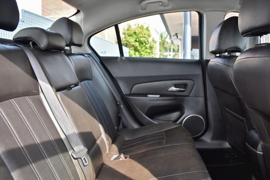 2011 Holden Cruze JH Series II MY12 SRi-V Sedan