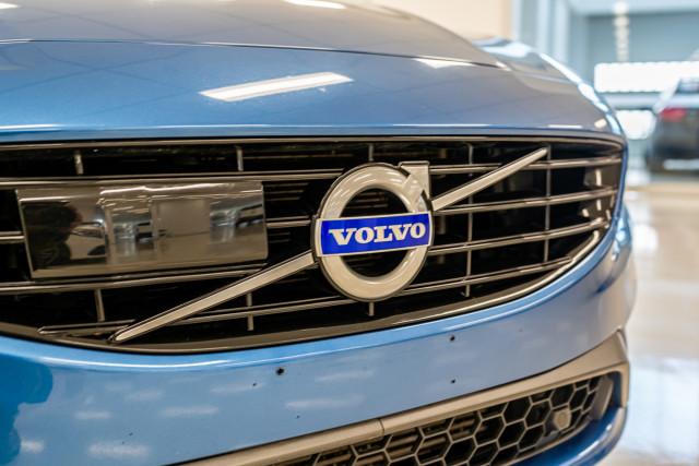 2016 MY17 Volvo S60 F Series T6 R-Design Sedan Image 11