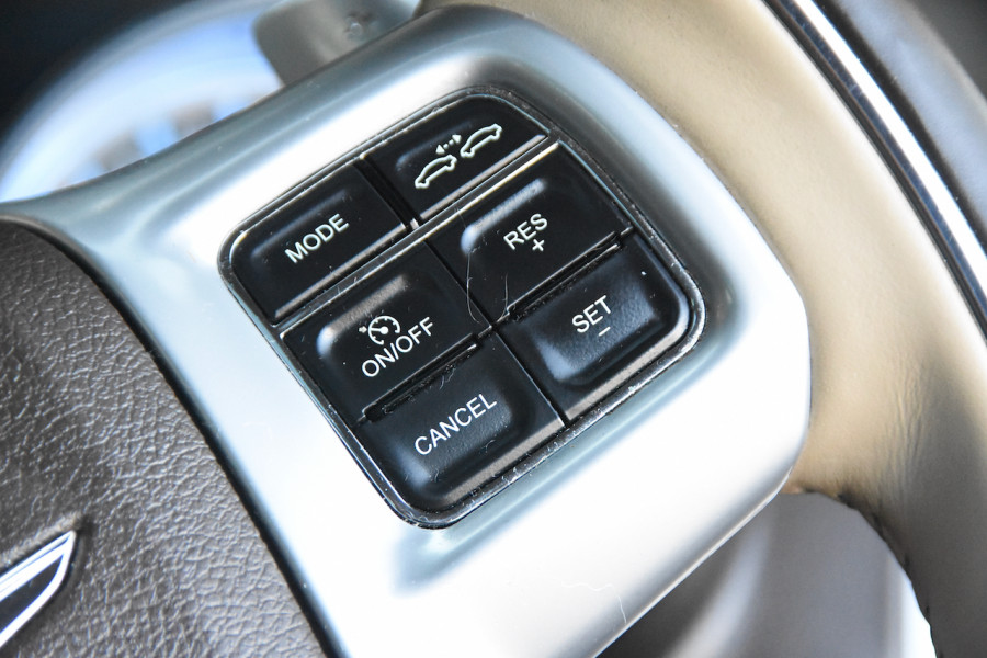 2014 Chrysler 300 LX C Sedan Image 12
