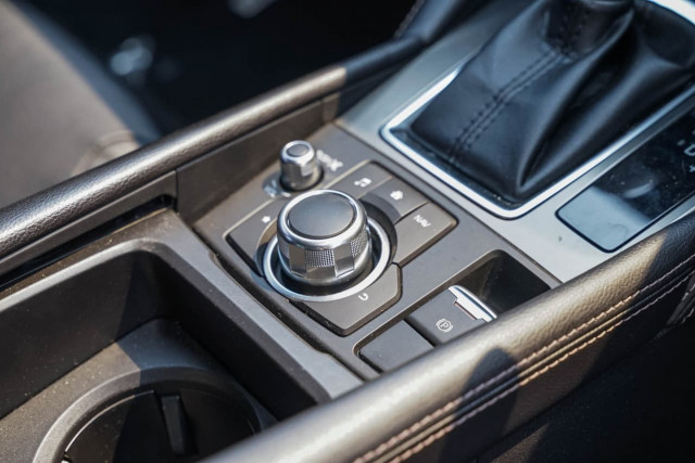2017 Mazda 6 GJ1022 Touring Sedan Sedan Image 5
