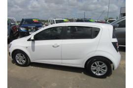 2014 Holden Barina TM MY14 CD Hatchback Image 2