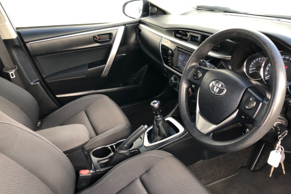 2014 Toyota Corolla ZRE172R ASCENT Sedan Image 4