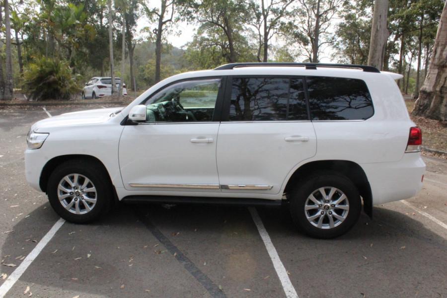 2016 Toyota Landcruiser Sahara Image 5