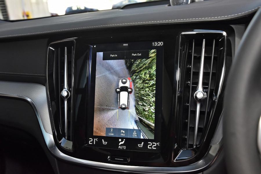 2020 Volvo V60 T5 R-Design T5 R-Design Wagon Mobile Image 16