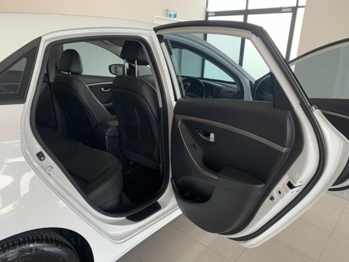 2016 MY17 Hyundai i30 GD4 Series II Active X Hatchback Image 8