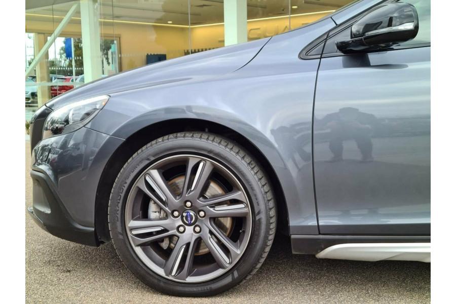 2013 Volvo V40 CROSS COUNTRY D Hatchback