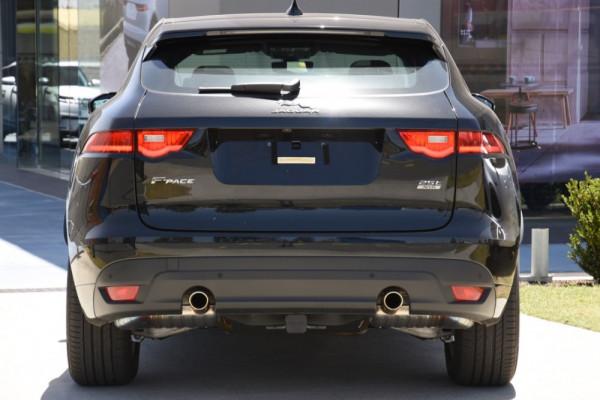 2019 Jaguar F-pace Suv Image 4