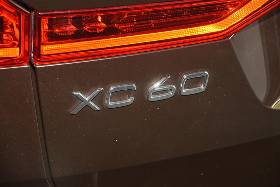 2020 Volvo XC60 UZ D4 Momentum Suv Image 7