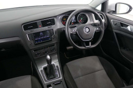 2017 Volkswagen Golf 7 92TSI Hatchback Image 5