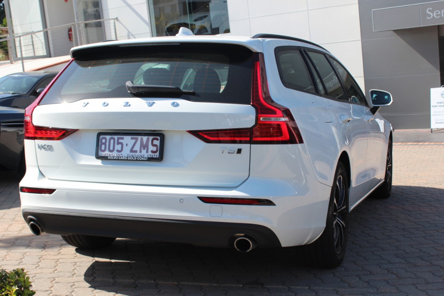 2019 MY20 Volvo V60 F-Series T5 Momentum Wagon Image 6
