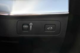 2018 MY19 Volvo XC90 L Series T6 Momentum Suv